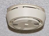 Un détecteur thermovélocimétrique est ?
