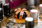 Pourquoi appelait-on le poste radio transistor il y a quelques années ?