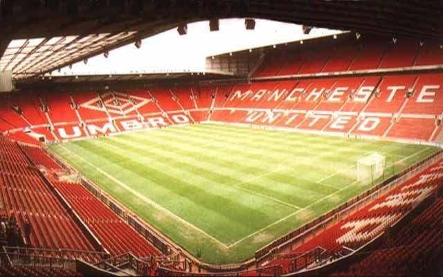 Quelle est la capacité de ce stade (Old-Trafford MANCHESTER) ?