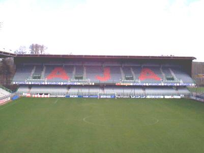 Quelle est la capacité de ce stade (stade-Abbé-Deschamps AUXERRE ) ?