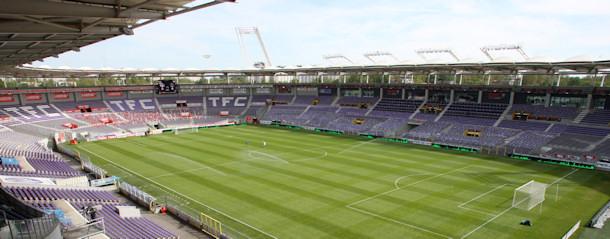 Quelle est la capacité de ce stade (Stadium TOULOUSE) ?