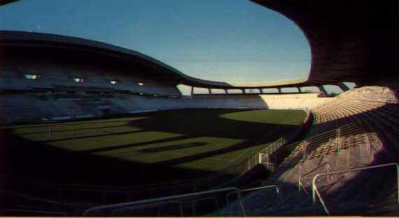 Quelle est la capacité de ce stade (La Beaujeoire - Louis Fonteneau NANTES) ?